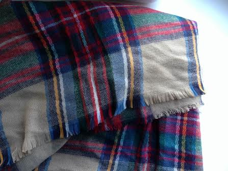 Doesn't the plaid just make you want to grab a hot cocoa and snuggle back onto the couch?